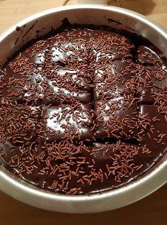 Greek Sweets, Greek Desserts, Greek Recipes, Just Desserts, Easy Chocolate Pie, Chocolate Sweets, Sweets Recipes, Cooking Recipes, Food Gallery