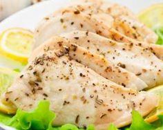 Blancs de poulet légers au fromage frais persillé : http://www.fourchette-et-bikini.fr/recettes/recettes-minceur/blancs-de-poulet-legers-au-fromage-frais-persille.html