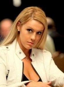 PokerVoVo Agen Judi Poker Domino Qiuqiu - Jennifer