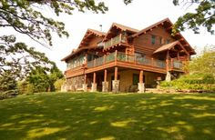 Check out http://prevailingwindslodge.com!  Nestled on 44 acres of rolling hills, open prairies and hardwood forests, Prevailing Winds Lodge is the perfect place to enjoy privacy and peace.