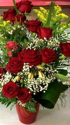 Beautiful Rose From My Heart Exotic Flowers, Amazing Flowers, Beautiful Roses, Pretty Flowers, Contemporary Flower Arrangements, Floral Arrangements, Good Morning Images Flowers, Rose Flower Wallpaper, Special Flowers