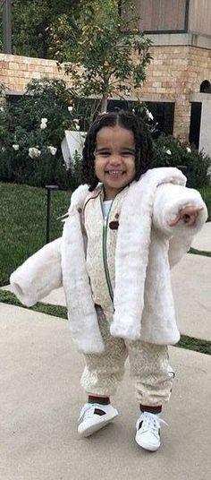 Dream Kardashian - Gucci Baby Girl Mini Me Ivory Flower Lace Bomber Jacket & Jogger Pants Celebrity Baby Pictures, Celebrity Baby Names, Celebrity Babies, Jogger Pants Outfit, Joggers, Dream Kardashian, Kardashian Jenner, White Faux Fur Jacket, Gucci Baby