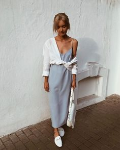 Summer Fashion Tips .Summer Fashion Tips Street Style Outfits, Mode Outfits, Trendy Outfits, Look Fashion, Fashion Tips, Fashion Trends, 2000s Fashion, Classy Fashion, Women's Summer Fashion