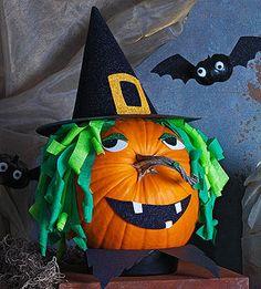 A pumpkin witch for Halloween. Halloween Infantil, Bolo Halloween, Holidays Halloween, Halloween Pumpkins, Halloween Crafts, Holiday Crafts, Holiday Fun, Happy Halloween, Witch Pumpkins