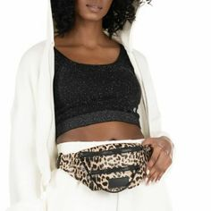 𝕂𝕖𝕟𝕕𝕒𝕝𝕝 & 𝕂𝕪𝕝𝕚𝕖 𝕓𝕒𝕘𝕤 🖤 _____________________________ ▪︎Shop online : www.papanikolaoushoes.gr ▪︎Click in shop ▪︎Telephone : 2310 282 713 _____________________________ #papanikolaoushoes #kendallandkylie #love #bags #shoponline Kendall And Kylie, Telephone, Bags, Shopping, Fashion, Handbags, Moda, Phone, Fashion Styles