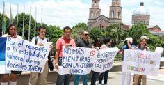 Docentes del Inem protestan por traslados