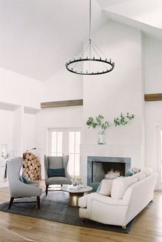 70 Elegant Modern Farmhouse Living Room Decor Ideas And Makeover 70 – Home Design Modern Farmhouse Living Room Decor, Coastal Living Rooms, Home Living Room, Living Room Furniture, Living Room Designs, Farmhouse Decor, Modern Living, Small Living, Rustic Furniture