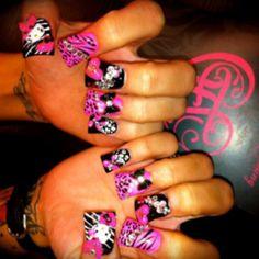 Wild hello kitty nail art