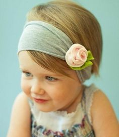 une fleur en tissu, décoration bandeau de cheveux, petite rose en feutrine, comment faire une fleur en tissu