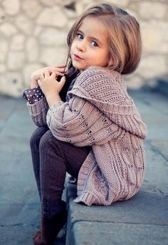 Love her sweater! Definitely a style suited for my baby girl :-) So Cute Baby, Cute Kids, Cute Babies, Baby Kids, Toddler Girls, Kids Girls, Toddler Toys, Babies Pics, Pretty Kids