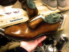 3D CAD/CAM для пошива и производства обуви ручной работы BESPOKE. Модель колодки (фасон) и модель верха разработаны в среде 3D CAD/CAM, сборка и затяжка обуви - квалифицированный ручной труд  http://vk.com/gerasinobuv