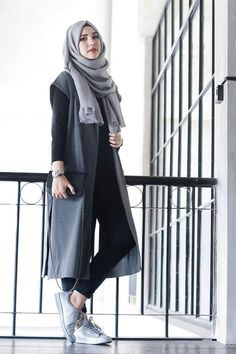35 Trendy And Fashionable Hijab Style For Teens - Herren- und Damenmode - Kleidung Hijab Casual, Casual Outfits, Ootd Hijab, Casual Hijab Styles, Hijab Fashion Casual, Casual Dresses, Stylish Hijab, Casual Clothes, Winter Clothes