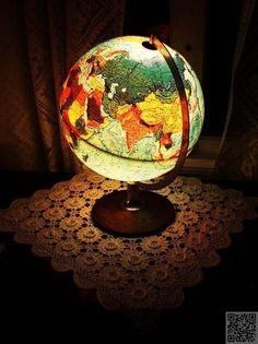 24. #Globe Lamp - Inspiring #Decor Ideas to #Satisfy Your Wanderlust ... → DIY #Century