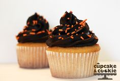 How to Make Perfect Bakery Style Frosting: Chocolate Fudge Frosting