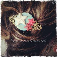 Un po'di mare nei capelli ne vogliamo :)? Limited edition by #artisticamentejokera :D si ringrazia la mamma per aver offerto la capoccia per la foto XD #handmade #bijoux #polymerclay #jewelry #hairpin #hairstyle #summer #starfish #sea