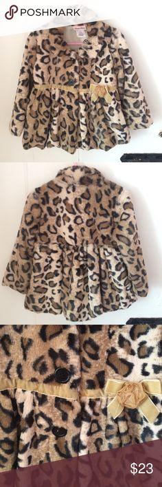 🎀HP 🎀 LITTLE LASS leopard faux fur coat (3T) LITTLE LASS leopard faux fur dress coat (3T) Little Lass Jackets & Coats