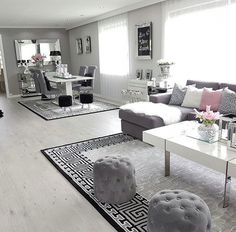 Gorgeous living room, love the pattern on the carpet as well on ig a. - Gorgeous living room, love the pattern on the carpet as well on ig a… Gorgeous living room, love the pattern on the carpet as well on ig a… Living Room Decor Cozy, Living Room Grey, Decor Room, Home Living Room, Apartment Living, Bedroom Decor, Black And Silver Living Room, Grey Room, Cozy Living