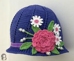 Gorro a crochet con flores para niñas, patrón gratis