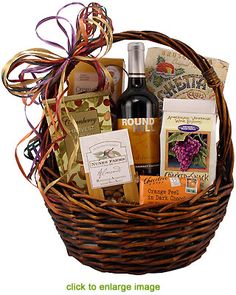 Wine Basket Gift Ideas Discover Autumn Wine & Gourmet Autumn Wine and Gourmet Classic Gift Basket Cheese Gift Baskets, Fall Gift Baskets, Gourmet Baskets, Cheese Gifts, Wine Country Gift Baskets, Themed Gift Baskets, Wine Baskets, Basket Gift, Wine Cheese