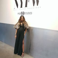 #NYFW2017 @verdadofficial  Soakin' up tons of hair inspo. ..some shows n' after parties on my insta story if you wanna  what's uuuup. . . . . . #torontoblogger #fashionweek #ootd #newyork #newyorkfashionweek #nyc #nycfashion #justfashionweek #nyfw2017 #verdadofficial  #fblogger #ootn #fashion #torontohairstylist
