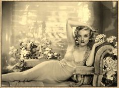 Dorothy Wilding - Dorothy Dickson, 1937 © William Hustler and Georgina Hustler