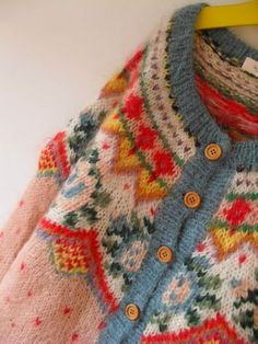 beautiful soft colour combination....I so need this cardi in my wardrobe.