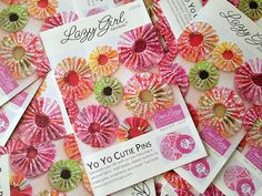 The Yo Yo Cutie Pins patterns arrived yesterday! I love the colorful yo-yos on the pattern cover! Lazy Girl Designs, Yo Yo Quilt, How To Make Pillows, Appliques, Needlework, Sewing Patterns, Quilting, Fabric, Crafts