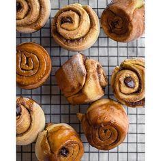 Cardamom Cinnamon Buns via @feedfeed on https://thefeedfeed.com/now_forager/cardamom-cinnamon-buns