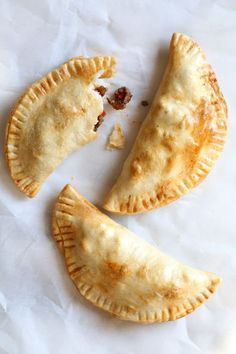 "These easy beef empanadas made with my homemade beef picadillo filling and store bought empanada dough are ""fried"" in the air fryer for empanadas that area ready in minutes (only takes 8 minutes to cook)! Use picadillo recipe included on r. Ww Recipes, Mexican Food Recipes, Cooking Recipes, Skinnytaste Recipes, Recipies, Mexican Dishes, Dinner Recipes, Healthy Recipes, Dinner Ideas"