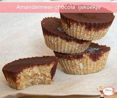 Amandelmeel-chocolade ijskoekje Cheesecake, Muffin, Breakfast, Desserts, Food, Morning Coffee, Deserts, Cheese Cakes, Dessert