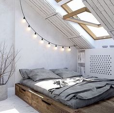 String lights make everything better 👌🏻 credit: @pristin_interiors @lauribrothers