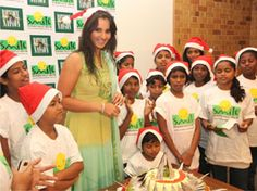 @SaniaMirza celebrated christmas with #SmileFoundation kids in Mumbai