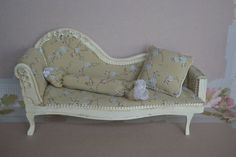 Miniature sofa. 1:12 scale by dementeamano on Etsy