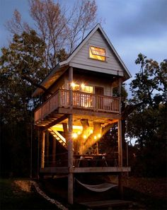 Oh my.  Now this is a tree house!  Tereasa Surratt & David Hernandez  Location: Camp Wandawega — Elkhorn, Wisconsin