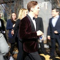 Velvet. Fucking epic that man. ♥ {#BenedictCumberbatch slinks away faster than #Smaug #TheHobbit}