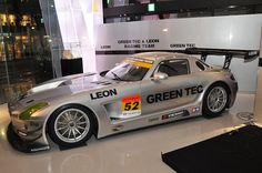 GREEN TEC & LEON with SHIFT  SLS AMG GT3