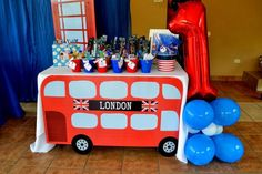 Boys Royal Birthday Bash favors table