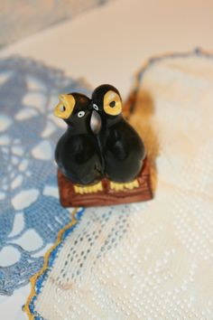 Vintage Double BlackBird Pie Birds by LeftBehindfinds on Etsy, $20.00