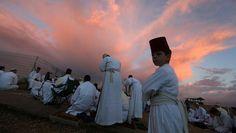 Samaritaner beten anlässlich des Laubhüttenfestes auf dem Berg Garizim im Westjordanland