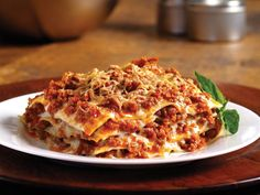 Looking for a delicious lasagna recipe? This step-by-step recipe for Beef Lasagne with Creamy Marinara Sauce uses Barilla's Oven-Ready Lasagne noodles.