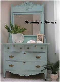 Kammy's Korner: The Aqua Antique Makeover