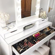 Modern Makeup Storage + Decor. vanitycollections@outlook.com ✖️Online Boutique ✖️ Australia.