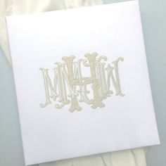 A FIVE letter wedding monogram... now that's a thing of beauty! ⠀ We absolutely loved the way this custom monogram turned out for a bride + groom who both had double first names (yes, we're in the South). And @charmingscribe made it come to life on a gorgeous guestbook for the couple. ⠀ High FIVEs for Monday! . . . #weddingmonogram #custommonogram #5lettermonogram #vintageletters #letterlove #monogramlove #antiqueletters #antiquemonogram #vintagemonogram #embroideredmonogram…