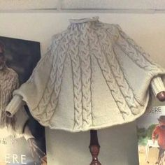 January KAL (Poncho) – Free Pattern You are in the right place about Knitting pictures Here we offer you the most beautiful pictures about the. Poncho Knitting Patterns, Knitting Blogs, Crochet Poncho, Knitted Shawls, Knit Patterns, Free Knitting, Knitted Cape Pattern, Knit Picks, Knit Fashion