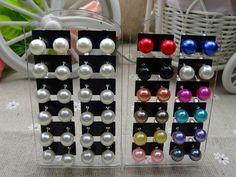 Lotto  12 Paia Stud a bottone earrings Orecchini Perla in colore Oro Argento Bianco Rosso Nero No Pendenti ma stud a chiodo prezzo all'ingrosso da rivendere per rivenditori. €0,29 cad1