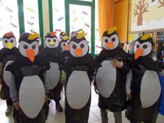Ταξιδεύοντας στο κόσμο των νηπίων: Η ΔΙΚΗ ΜΑΣ ΤΣΙΚΝΟΠΕΜΠΤΗ!!! Penguin Day, Carnival Crafts, Polo Norte, Preschool Books, Kids Story Books, Mask Party, Candyland, Mask For Kids, School Projects
