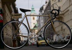 Simplon Gold Vintage reanimiert Vintage Bicycles, Custom Bikes, Gold, Trial Bike, Custom Motorcycles, Custom Bobber, Vintage Bikes