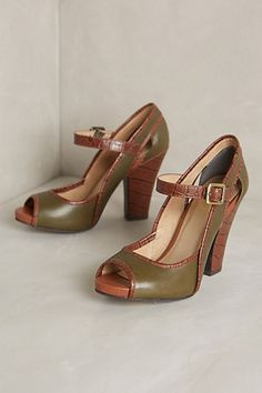 darling retro heels http://rstyle.me/n/p5492r9te