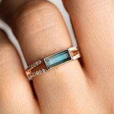 Baguette Ring with Blue Tourmaline – diamond rings vintage Jewelry Rings, Jewelry Accessories, Fine Jewelry, Jewelry Design, Elizabeth Stone, Diy Accessoires, Baguette Ring, Baguette Diamond Rings, Ring Verlobung