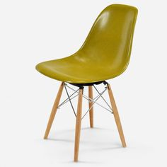 https://modernica.net/shop/seating/case-studyr-side-shell-dowel-swivel